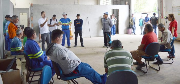 Servidores de Joinville iniciam a semana mobilizados