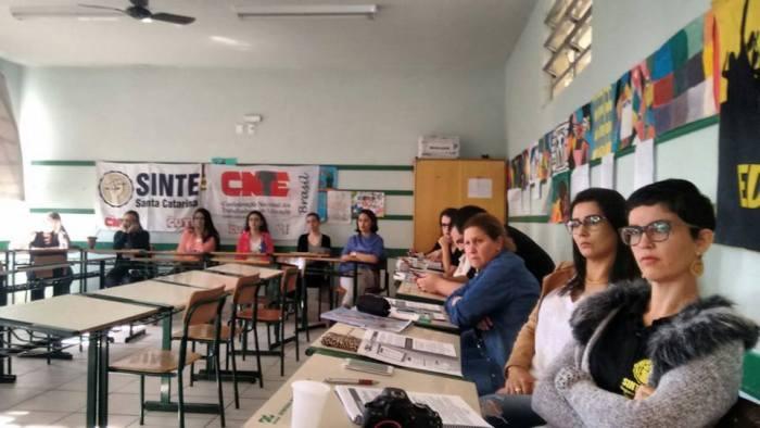 Curso de Formação SINTE-SC/CNTE nas Regionais do Estado