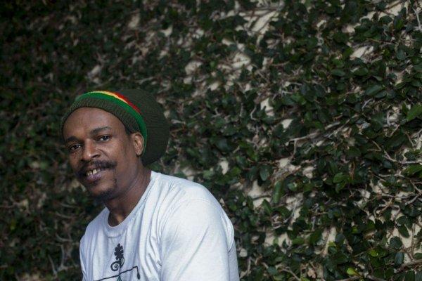 Bob, 42 anos, estabeleceu sua família no Rio de Janeiro