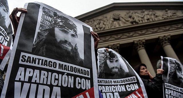 Polícia encontra suposto corpo de Santiago Maldonado e família alerta para manipulação