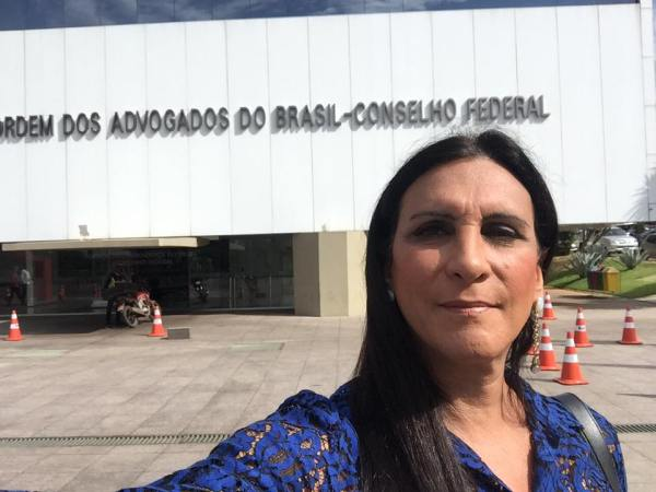 """""""Um escárnio à Justiça"""": a lição da advogada transexual de Laerte em Reinaldo Azevedo no TJ-SP"""