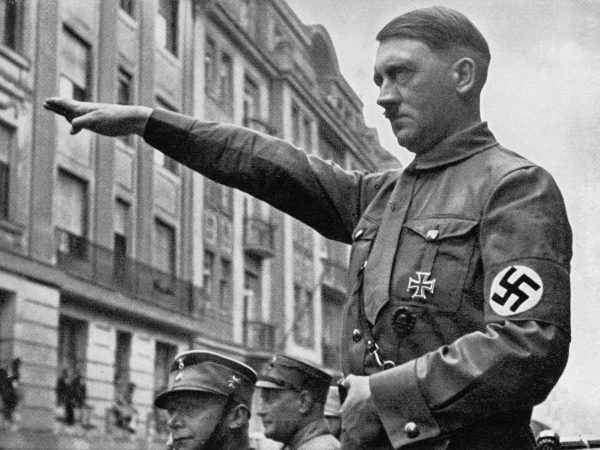 Esperando Hitler