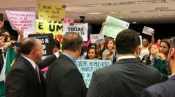 'Deputado, o senhor já foi estuprado?': Mulheres tomam conta da comissão da PEC contra o aborto