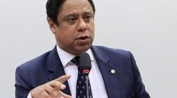 Orlando Silva: CPI para apurar atuação do capital privado na educação