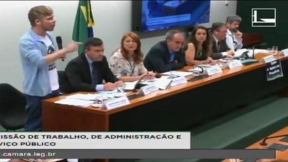 Servidores anunciam aumento da mobilização contra reformas do governo Temer
