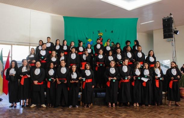 Universidade pintada de povo: 38 militantes se formam em História no Rio Grande do Sul
