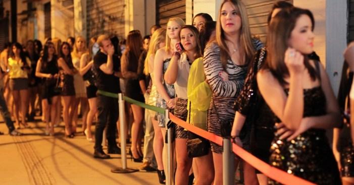 Um debate sobre igualdade: por que os ingressos masculinos custam mais caro nas baladas?