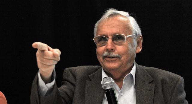 """Ladislau Dowbor profere palestra e lança livro em Florianópolis sobre """"A Era do Capital Improdutivo"""""""