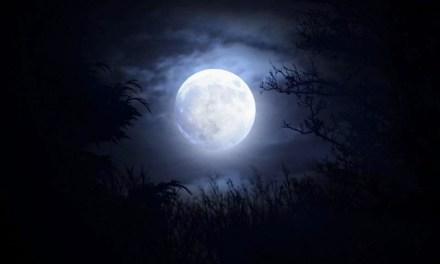 La luna en agosto I