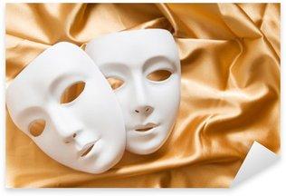 Mientras queden máscaras