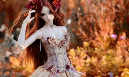La muñeca.