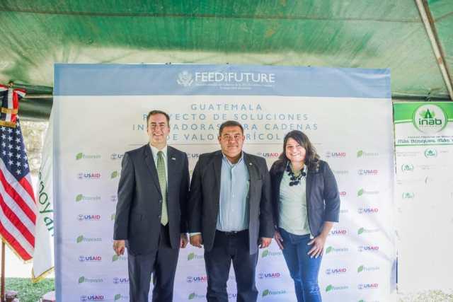 INAB y Agropecuaria Popoyán S.A. firman carta de entendimiento del Proyecto de Soluciones Innovadoras para Cadenas de Valor Agrícola PROINNOVA