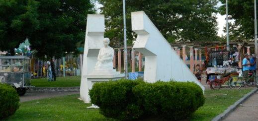 Mañana realizaran el Vía Crucis en la Plaza a la Madre.