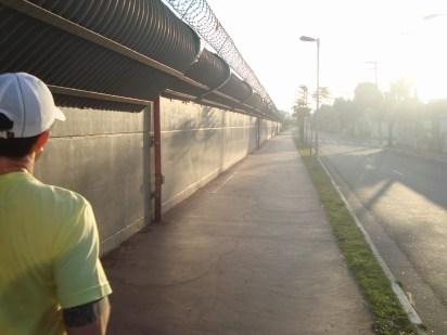 Rua Aída, às margens da linha verde do metrô