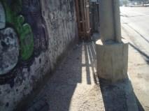 Calçada sem estrutura na Av. São Miguel