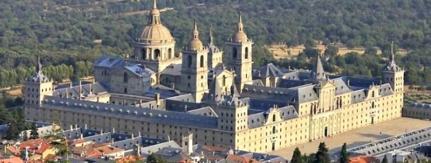 800px-vista_aerea_del_monasterio_de_el_escorial