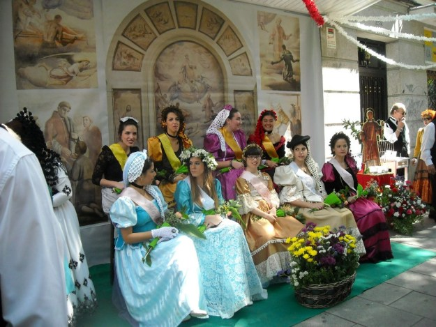 mayas de lavapies, tradiçoes madrid, tradiçao lavapies