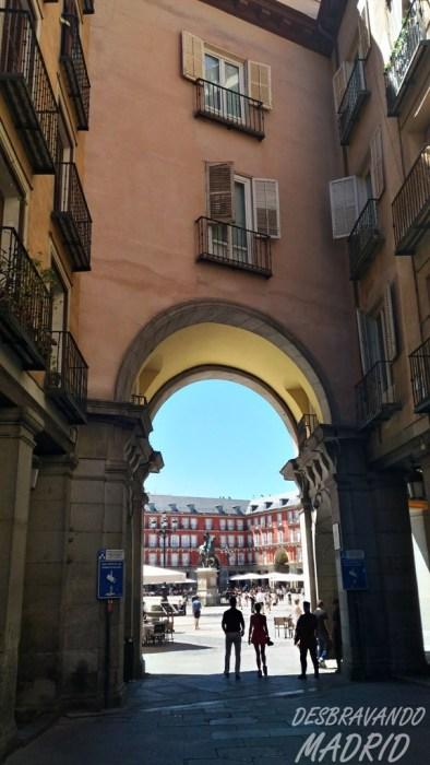calle-gerona-plaza-mayor