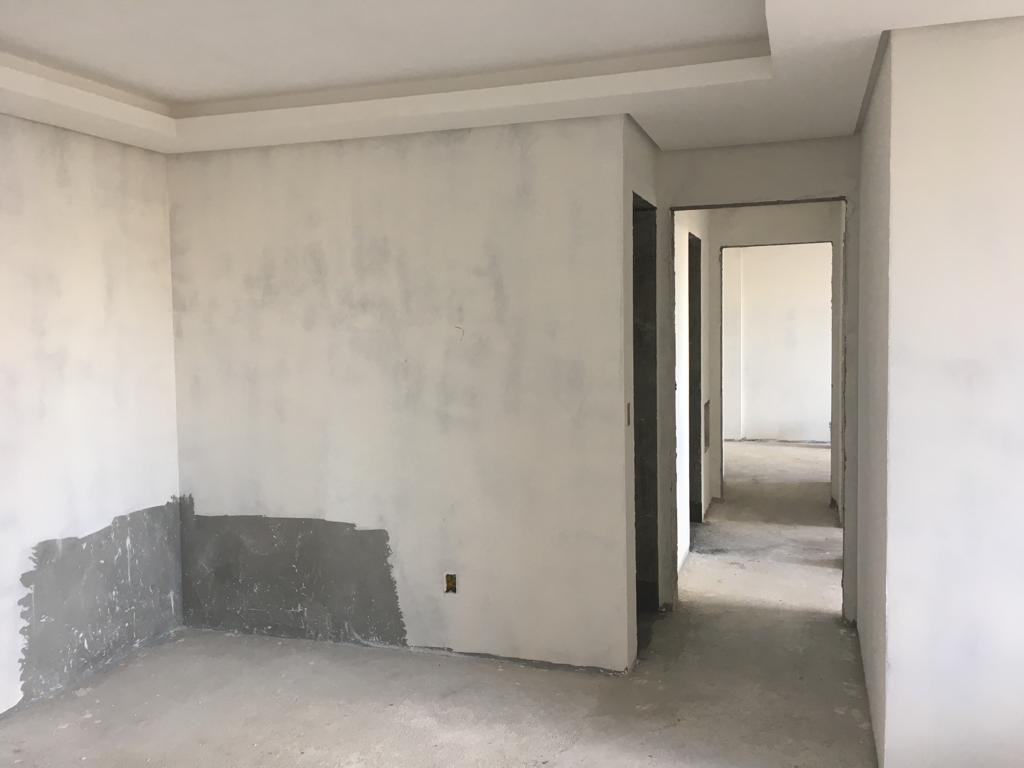 sala e corredor residencial alianza