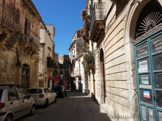 Uma das vielas de Ortigia - Foto: Acervo Pessoal