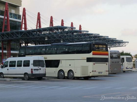 Ônibus na Sicília - Terminal rodoviário no centro de Agrigento