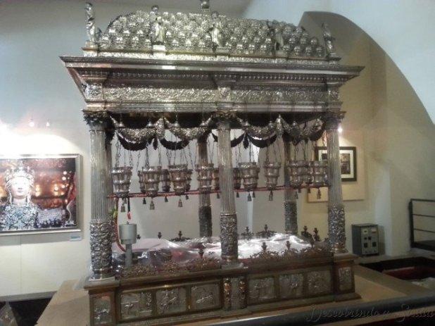 Andor que carrega a imagem de Santa Ágata no dia da festa da padroeira da cidade.