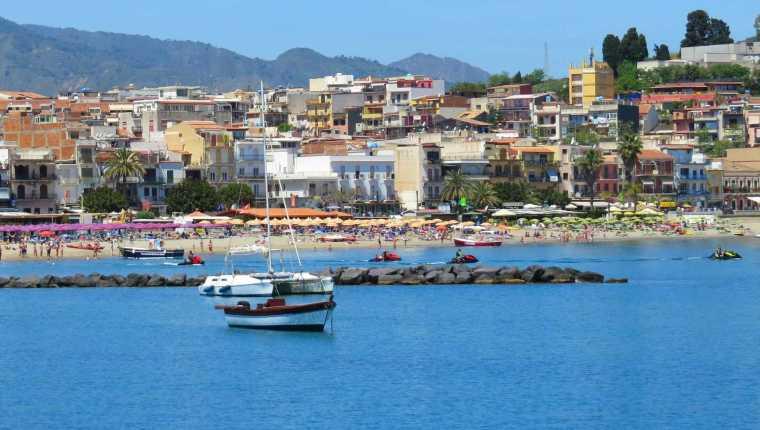 Arredores de Taormina: Giardini Naxos