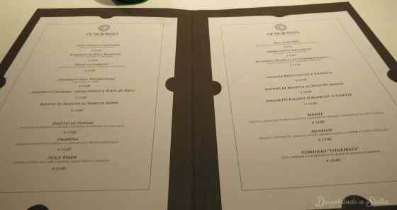 O menu do Crocifisso varia de acordo com a disponibilidade dos ingredientes, portanto você pode não encontrar os mesmos pratos que citei aqui no texto. De qualquer maneira, publico o menu para você ter uma ideia dos preços dos pratos, totalmente dentro dos padrões.