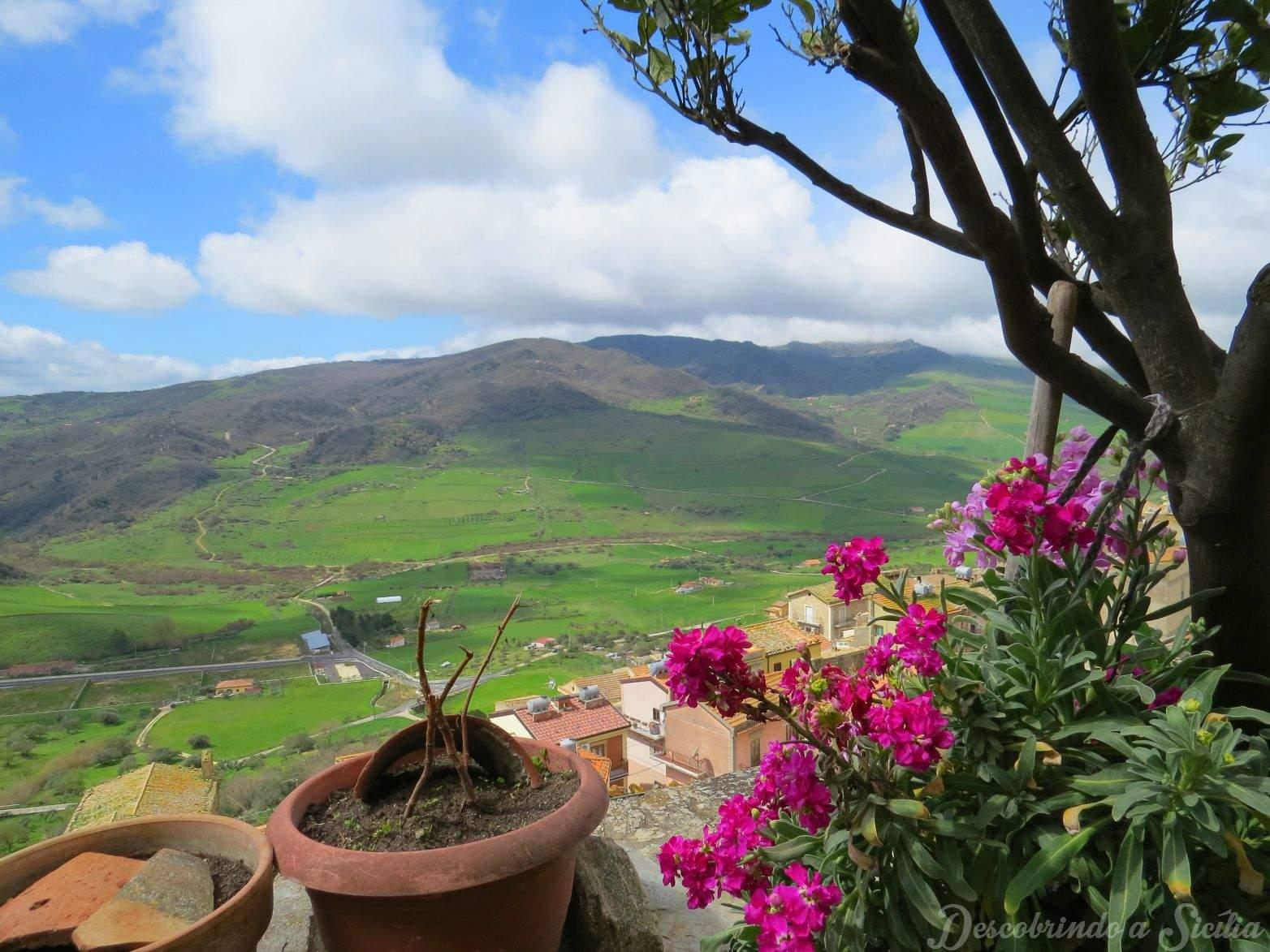 Paisagem do interior da Sicília