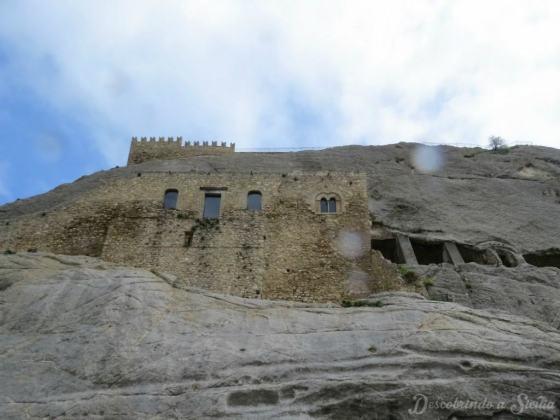Interior da Sicília: Castelo de Sperlinga