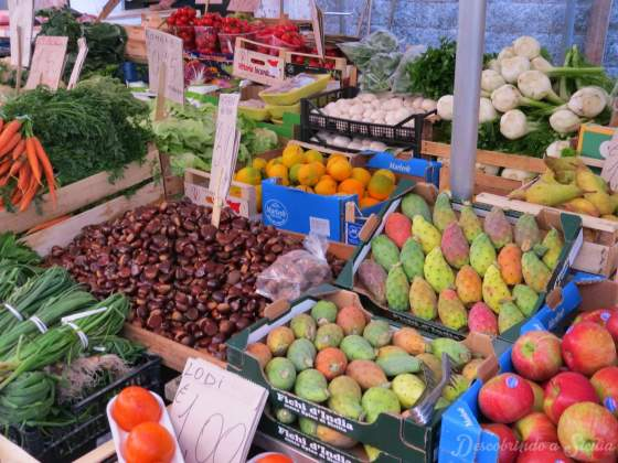 Mercado de ortigia: as frutas