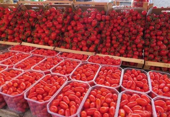 Mercado de ortigia: os tomates