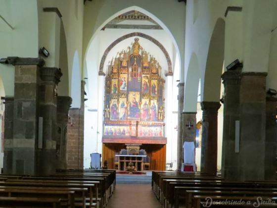 Políptico na igreja Matrice Vecchia, uma obra de Antonello de Saliba, sobrinho de Antonello da Messina.
