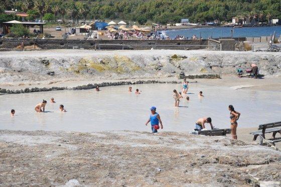 Banho de lama em Vulcano - Foto: Adriana Ferreira