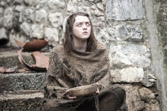 Maisie Williams como Arya Stark