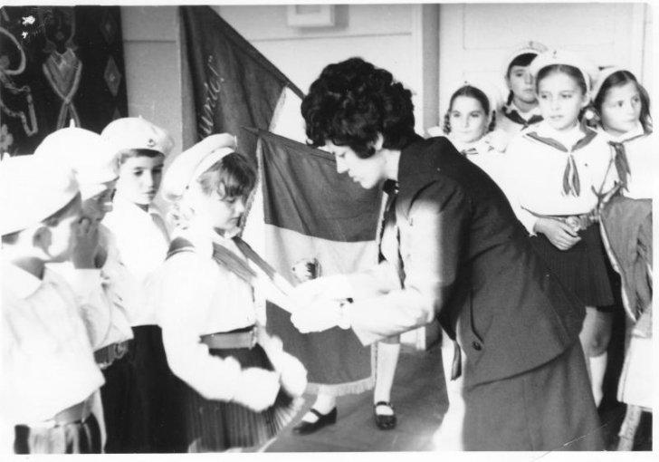 Așa era scoala pe vremea lui Ceaușescu – Dați mai departe să afle și tinerii de azi