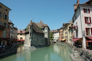 annecy 2825046 640 - annecy-2825046_640