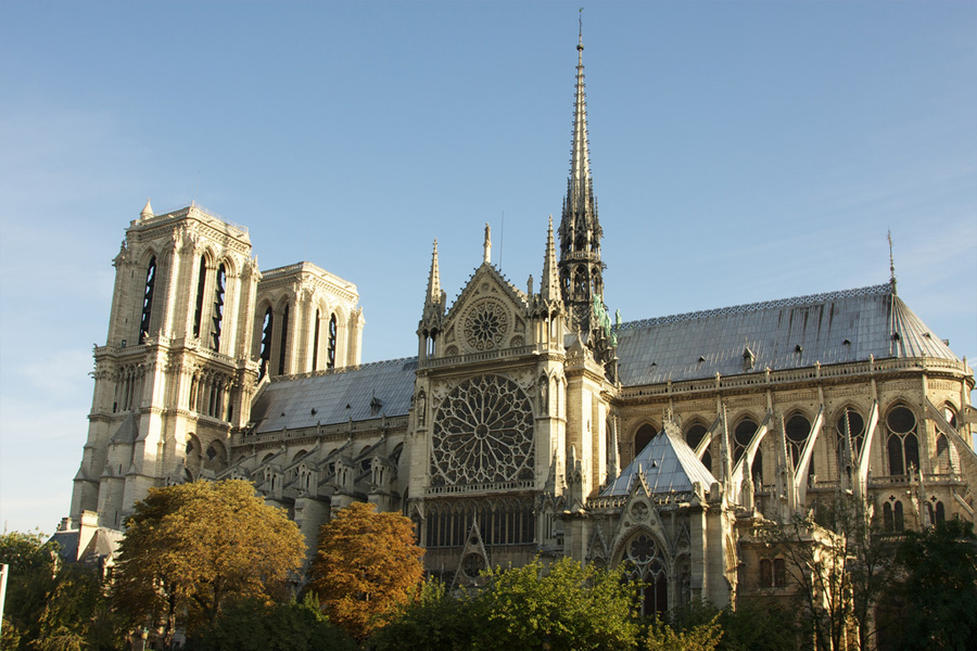 Catedral-de-Notre-Dame-TDA Corretora de Serguros