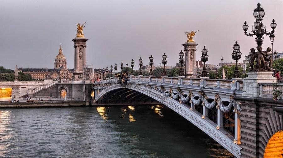 Roteiro a pé por Paris, ponte Alexandre III