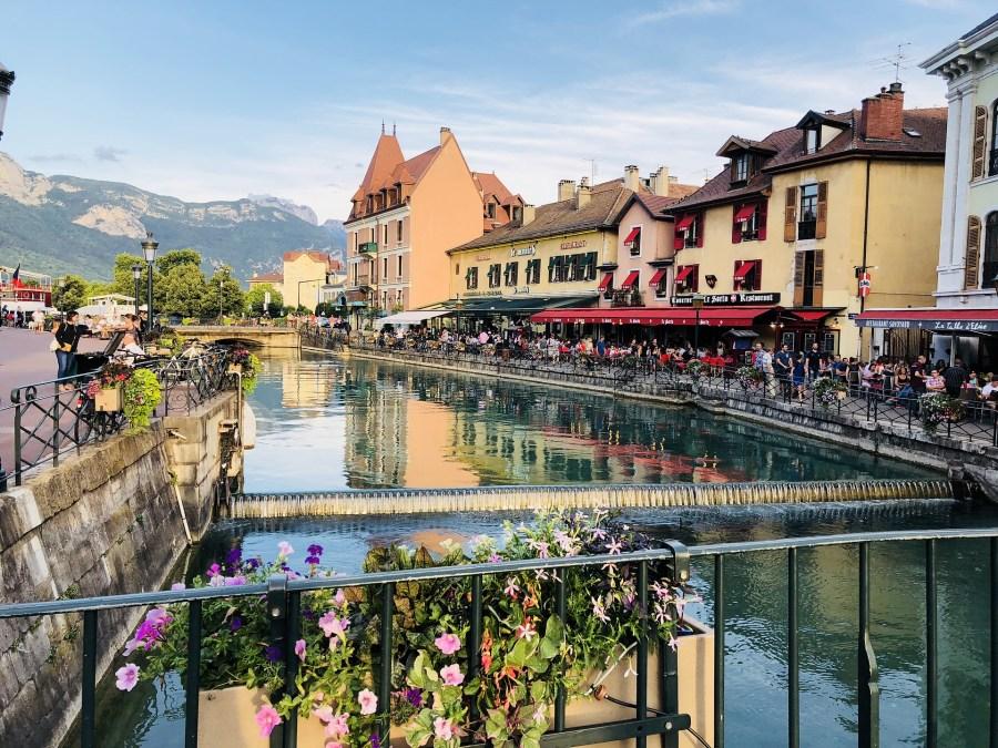 Roteiros cheios de charme na França, Annect