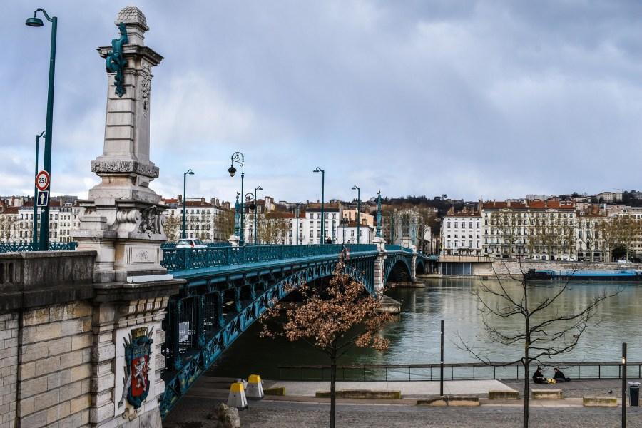A beleza e história da cidade de Lyon ajudam a movimentar o turismo na França