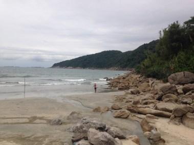 Praia do Guaiuba no Guaruja - Lado Direito da Praia