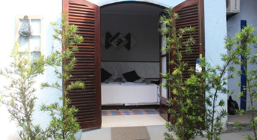 suite-area-canto-azul-pousada-guaruja-praia-de-pernambuco