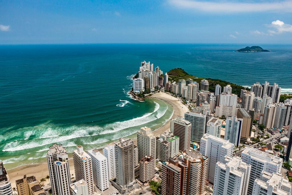 Apartamento á 50mts da Praia de Pitangueiras