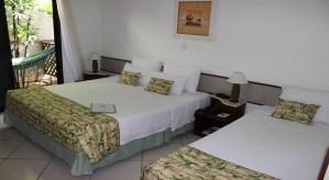 Suite Tripla do Hotel Ilhas do Caribe Enseada Guaruja