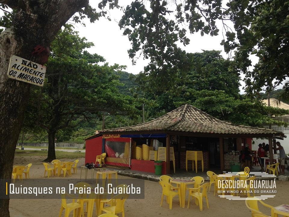 Quiosque na Orla da Praia do Guaiuba em Guarujá SP