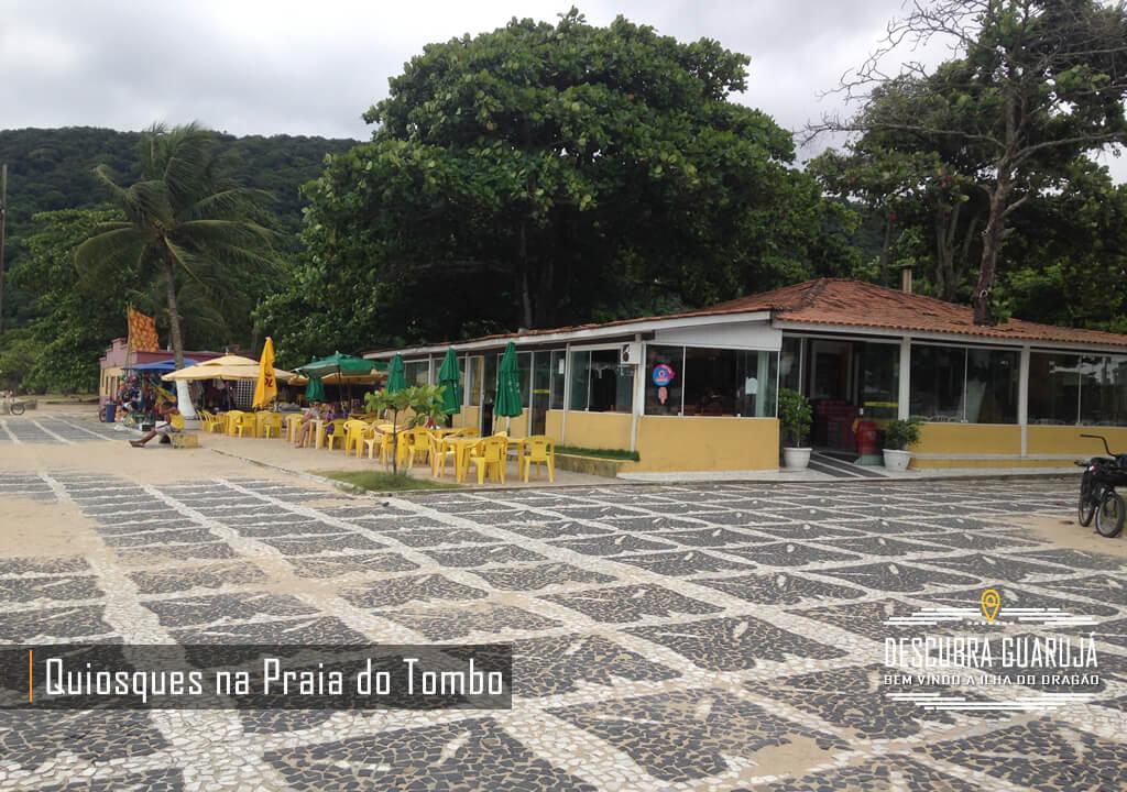 Quiosque na Praia do Tombo em Guarujá