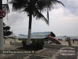 Orla da Praia das Astúrias em Guarujá