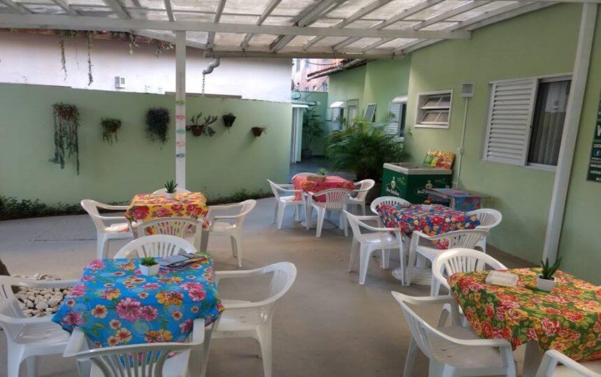 Area Externa da Pousada Aloha em Guarujá