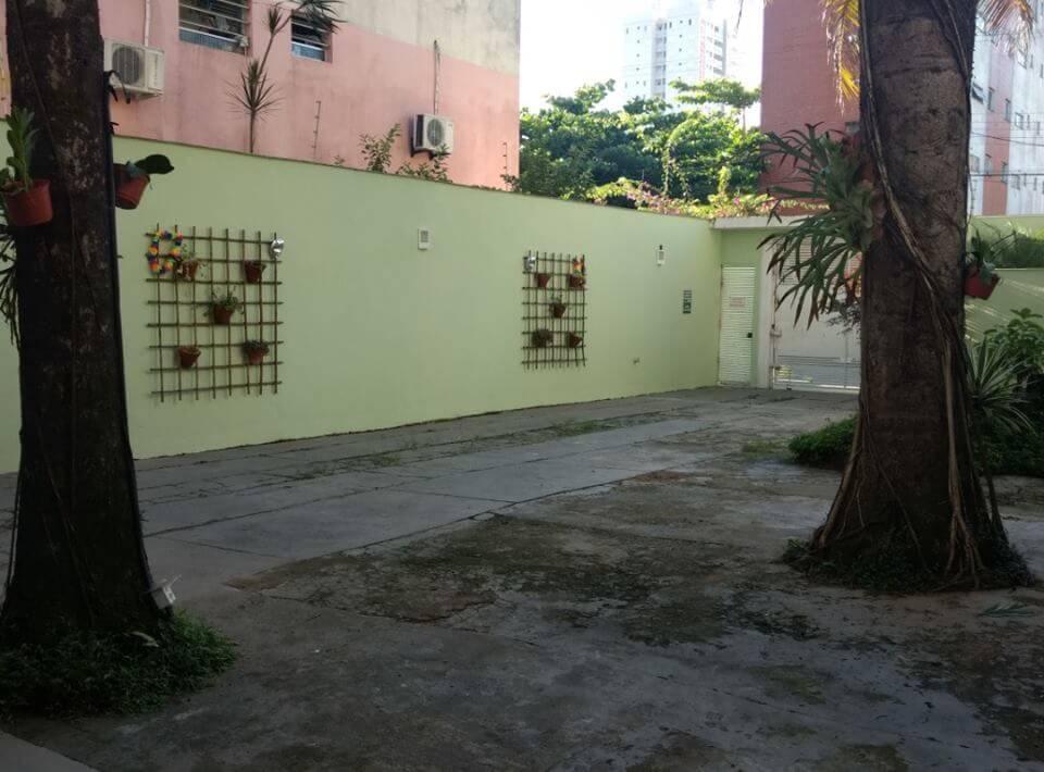 Estacionamento da Pousada Aloha em Guarujá